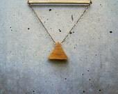 trekant necklace