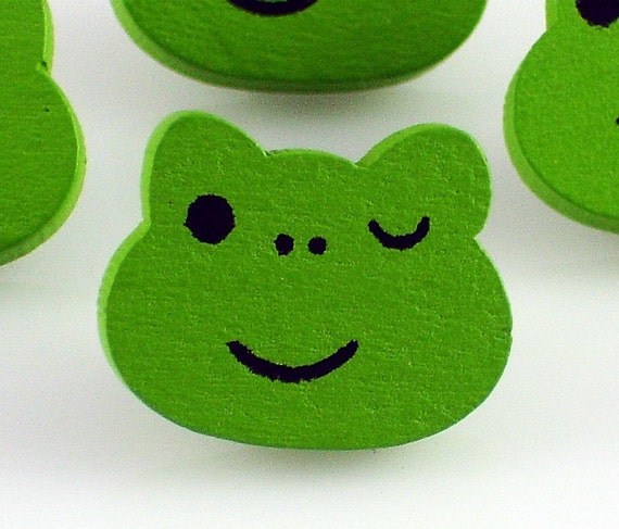 Green Frog Buttons - 4pcs - wood sewing button w/ shank