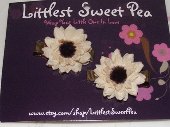 Cream Flower Hair Clippies