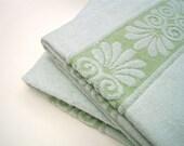 Green Retro Towels - Velveteen Lime Bath Towels