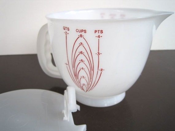 Vintage Tupperware Measuring Cup - Large Mixing Bowl with Lid