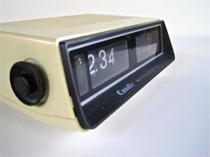 vintage flip clock alarm am radio retro digital clock by. Black Bedroom Furniture Sets. Home Design Ideas