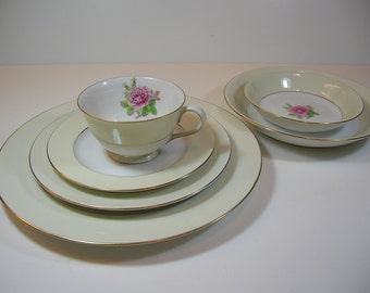 Vintage Fuji China Rosette Pattern China Place Setting