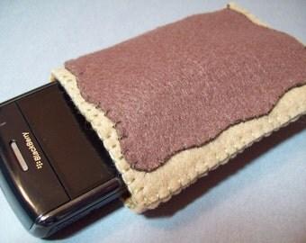 Felt Poptart cozy/pouch (Brown sugar cinnamon)- Great cozy for ipods, phones, cameras, etc