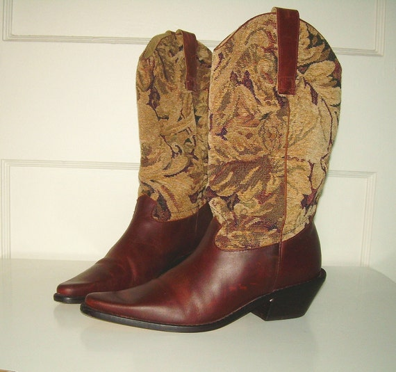Vintage Tapestry Leather Cowboy Boots (W Sz 6)