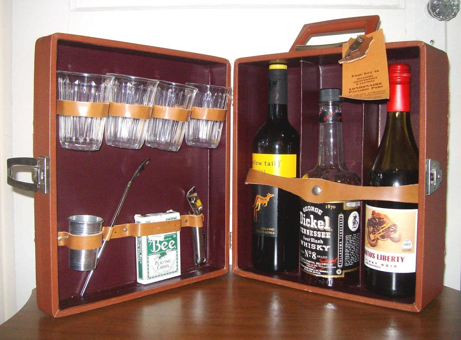 Vintage portable travel bar set whiskey brown w by for New bar ideas