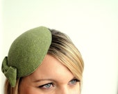 Lucille Olive Green Vintage Style Cocktail Hat With Bow Detail