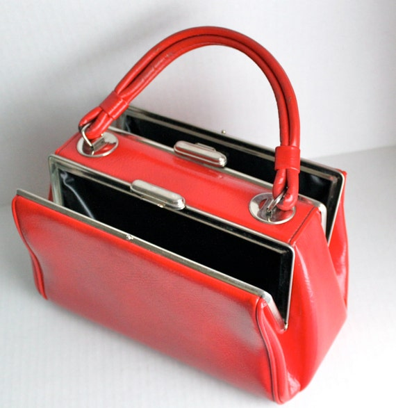 vintage 50s / 60s DOVER dual sided lipstick red handbag // rockabilly