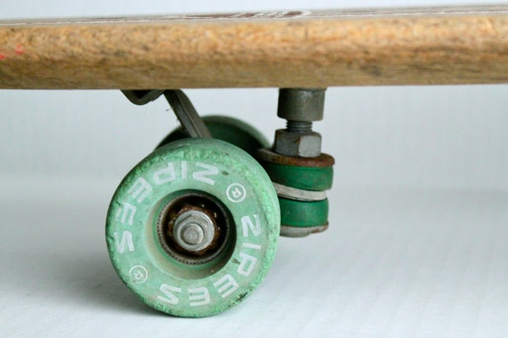 RESERVED // vintage 60s ZIPEES Sidewalk Surfboard // green clay wheels and cushions // The Lahana M-444