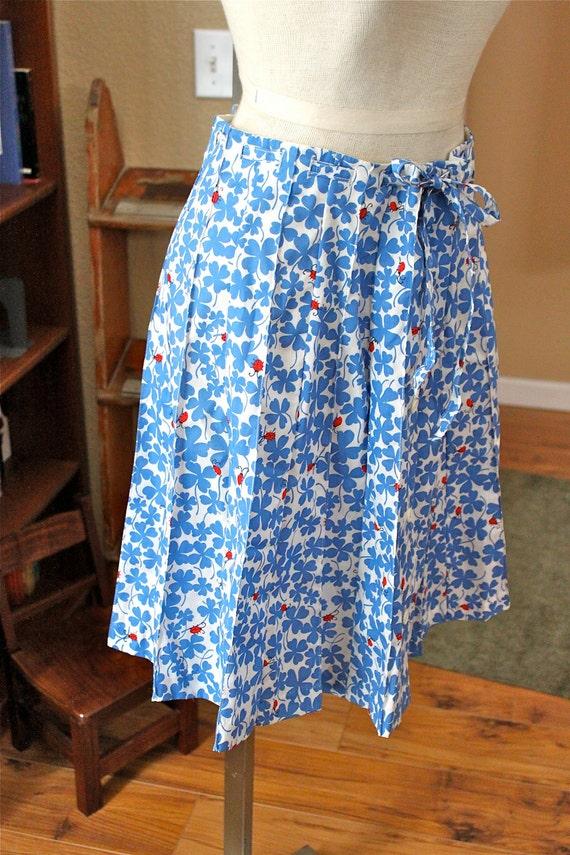 vintage blue four leaf clover w/ lady bug print skirt // by Country Club // m l