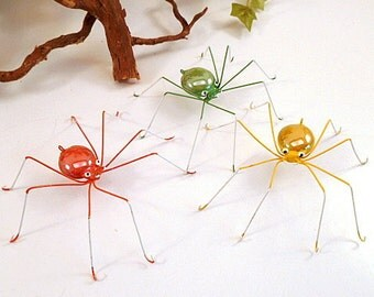Colorful Spiders Green Yellow Orange Wire Bugs Wire Art Insects Gift for Entomologist and Bug Lovers Home Decor Garden Art Gift for Gardener