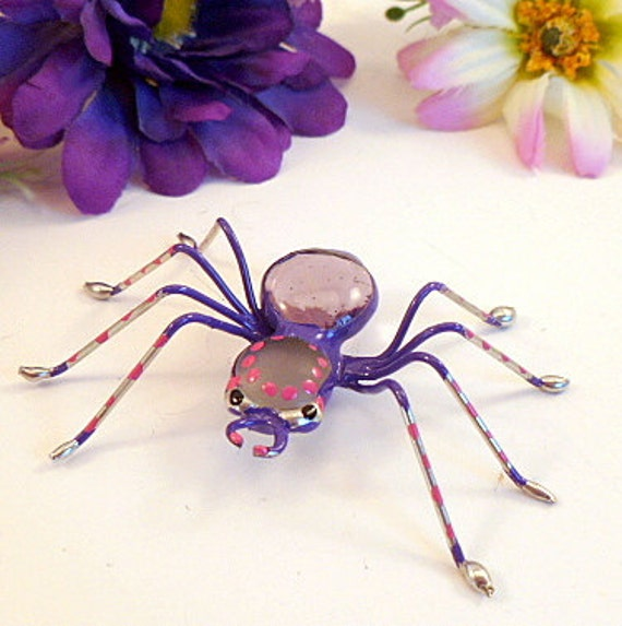 Medium Purple Spider Painted