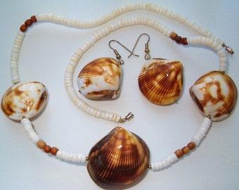 Vintage Boho Oyster Cut Seashell Shell Wood Necklace Earrings Set Demi Parure Suite Artisan Handmade