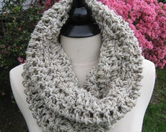 Manhattan Cowl Circle in Oatmeal - Wrap, Scarf, Neckwarmer, Thermal - Gift Fall Winter Scarves -Chunky Scarf Cowl in Oat - Infinity Circle
