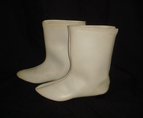 Vintage 1960s Mod Go Go Boots, sz 7-1/2 or 8 (approx)