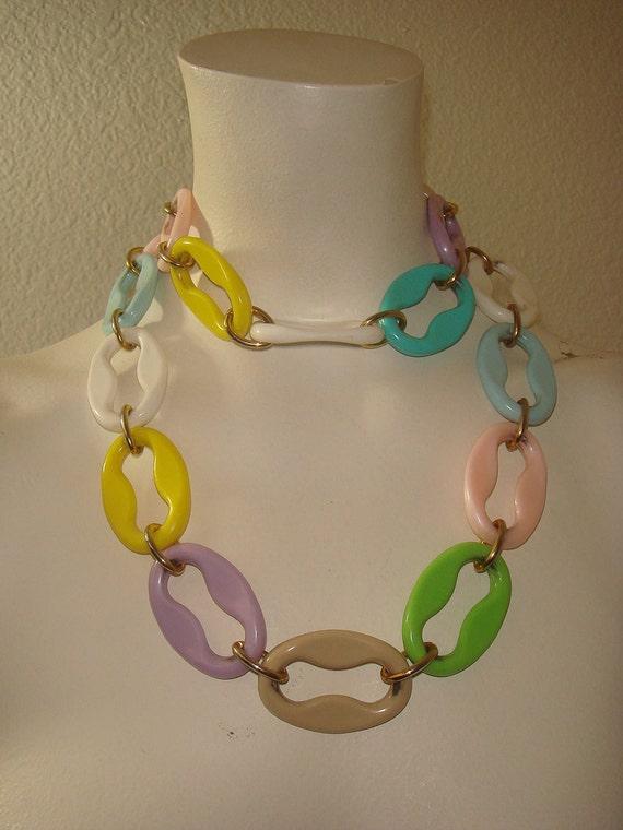 Vintage Mod 60s Plastic Link Belt / Necklace with Pastel Spring Colors