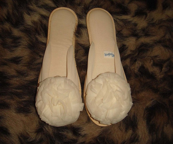 Vintage Glamour Scuffs Nylon Chiffon Boudoir Slippers with Pom Poms by Madye's, sz 7-8