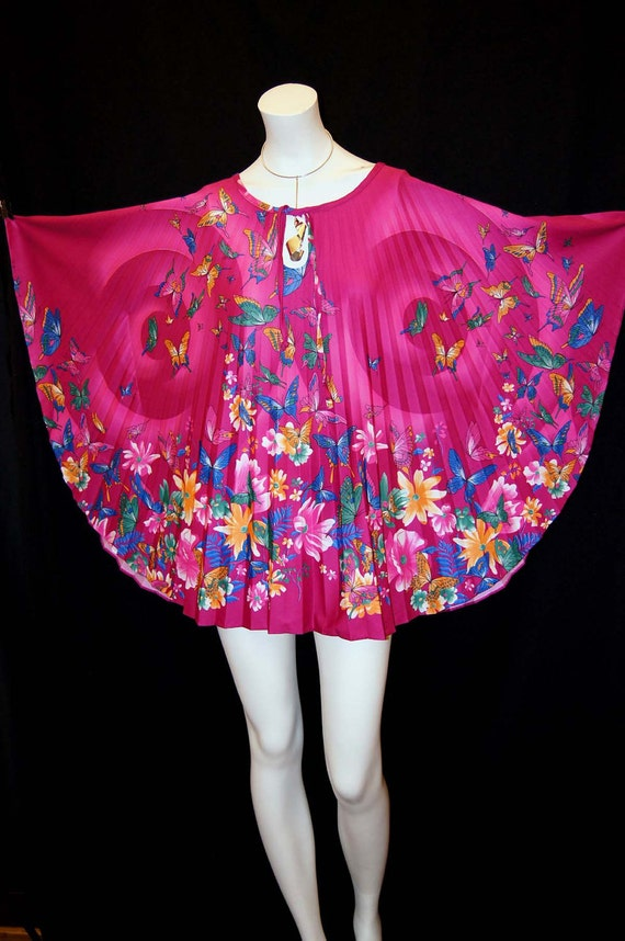 Vintage 70s Pink Pleated Caftan Top Accordion Pleated Floral and Butterfly Print Hippie Tunic, One Size Fits All