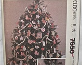 McCALL'S 7650 - CHRISTMAS DECORATIONS pattern - ornaments, stockings, more