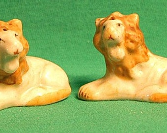 1960s Two Miniature Resting Lion Shakers-Japan