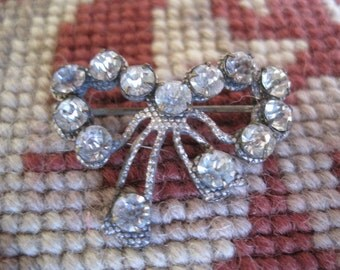 FREE SHIP Vintage Victorian Rhinestone Brass Bow Bridal Brooch Small Bow Pin Original C. Clasp Bride Bridal Jewelry