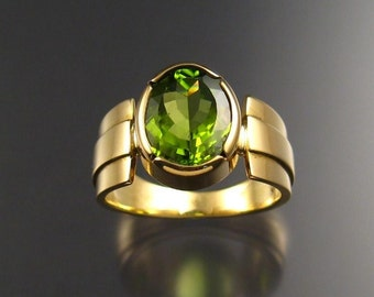 Peridot ring, 18k Gold