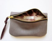Zipper Pouch /// Taupe Leather