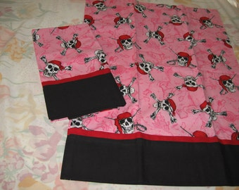 Pirate Skull and Crossbones Pillowcases in Pink