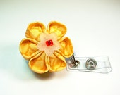 flower fashion ID badge reel in yellow and white