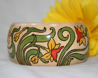 20% OFF Art Nouveau Style Wood Bangle Bracelet Painted Pyrographed