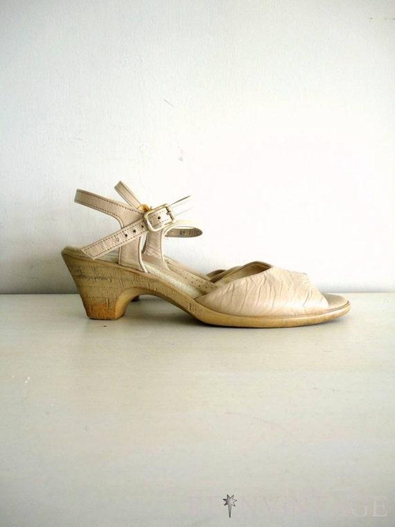 vintage 1970s wedge shoes : NUDE brown sandals
