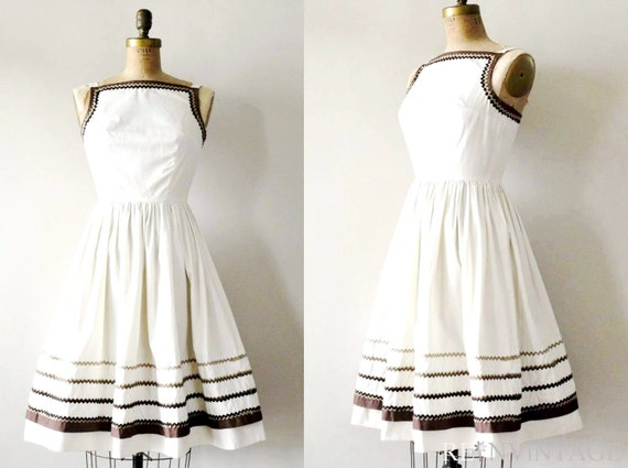vintage 1950s dress :  latte cream 50s cotton full skirt