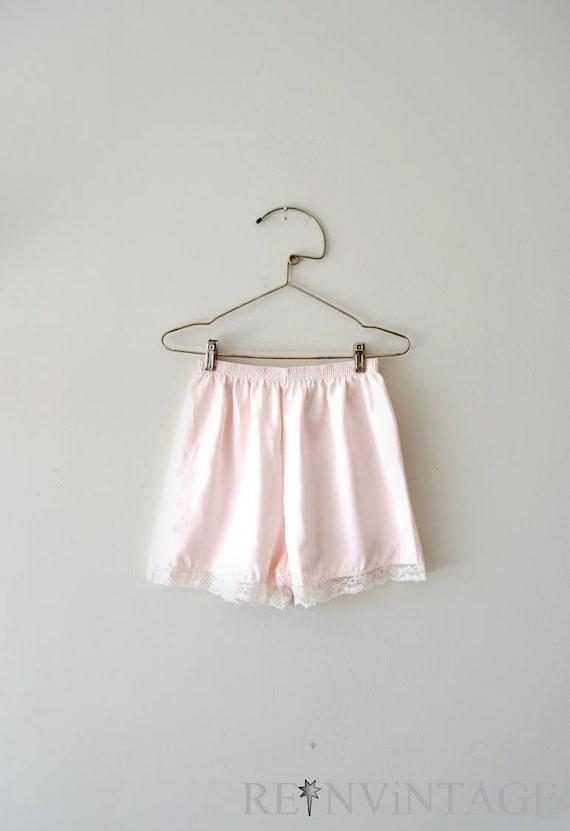 vintage tap pants - lingerie shorts / PALE PiNK ivory lace