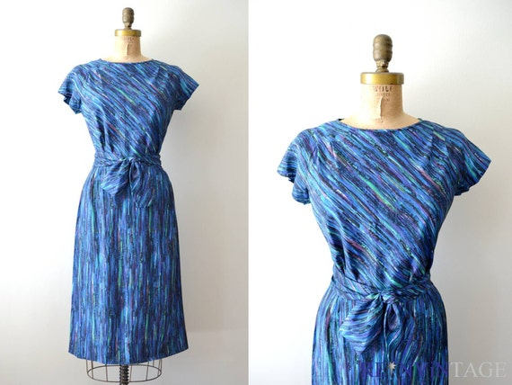 vintage 1950s dress : indigo violet 50s wiggle dress by Nelly Don