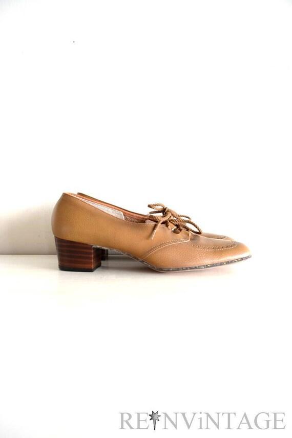 vintage 1960s shoes : 60s coffee beige leather heels