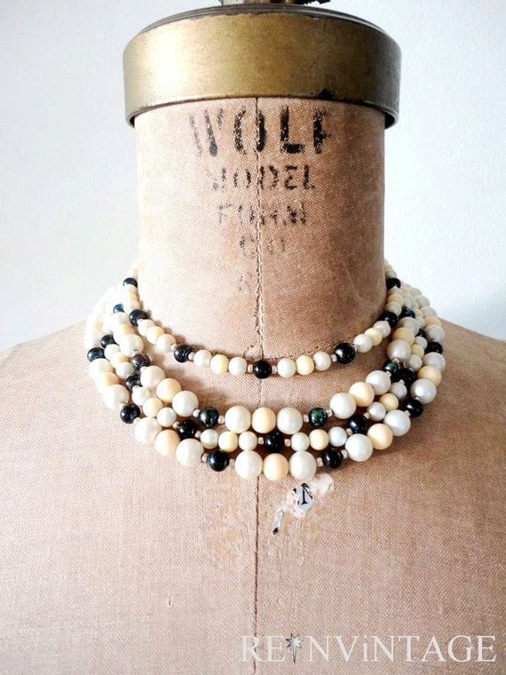 vintage beaded necklace : FOUR STRAND black pearl choker