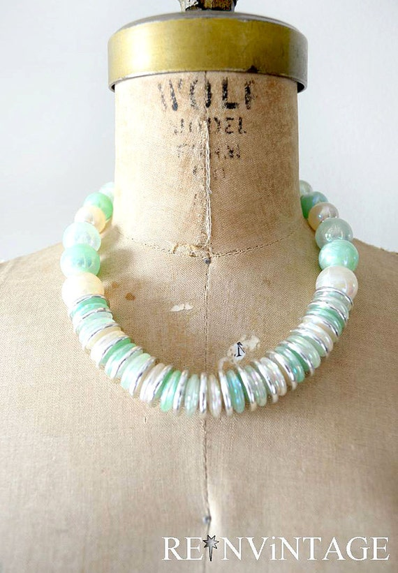 vintage necklace : mint silver pearl 70s beaded necklace