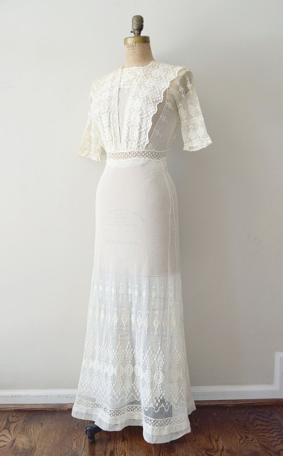 vintage 1910s dress - edwardian wedding dress / antique ivory lace