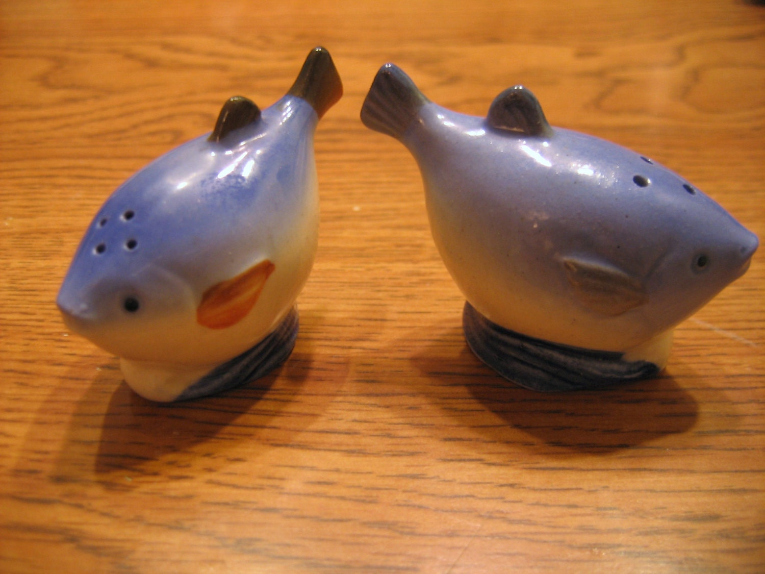 Fish salt and pepper shaker set blue by roadtokohala on etsy for Fish salt and pepper shakers