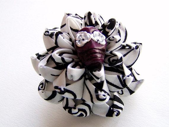 Dreamscape Kanzashi Flower Sugar Skull Hair Clip
