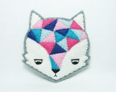 Annoyed urban fox felt brooch - hanaletters