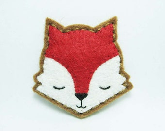 Sleepy Red Velvet Fox felt brooch - tiny size - made to order