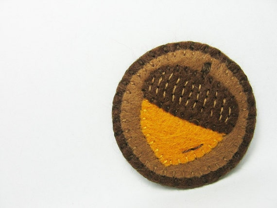 Acorn felt pin - made to order
