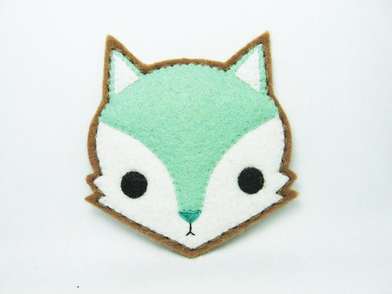 Mint fox felt pin - made to order