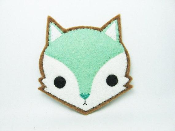 Mint fox felt pin - made to order