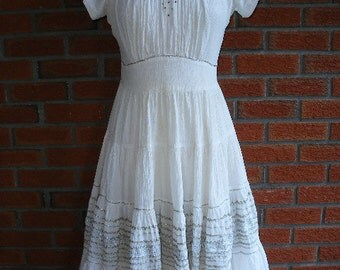 GORGEOUS White 50s Dress With Diamond Buttons And Silver Ric Rac Detailing