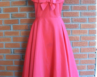 Vintage 50s Tafetta Pin Up Mad Men Evening Dress In A Rich Red Color