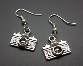 Camera Earrings - geek jewelry funny earrings quirky earrings cute earrings rockabilly jewellery photo photographer fun punk funky earrings