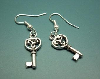 Small Key Earrings - skeleton key earrings victorian gothic jewelry alice in wonderland inspire emo retro jewellery rockabilly cute earrings