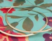 The Simple Hoop in Gold